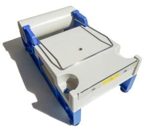 Einfacher Abroller für eine Adress-Schutzfolie und andere Folien mit einer Breite von bis zu 150 mm.