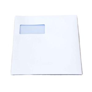 A4 große, weiße Briefumschläge mit Sichtfenster und seitlichem Einschub.
