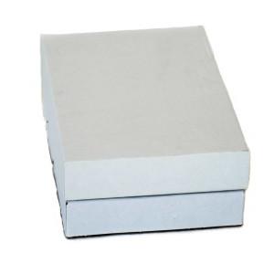 Weißer Stülpdeckelschachtel aus Wellpappe, bestehend aus zwei Teilen
