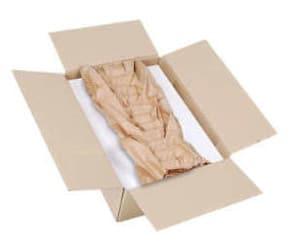 PadPak CC Anwendung: Polstermaterial wird als Matte unten und oben am Packstück angebracht und in einen Karton gelegt.