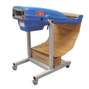 Kompakte Verpackungsmaschine PadPak LC zum Füllen und Polstern. Auf dem Bild mit eingelegten Papier.